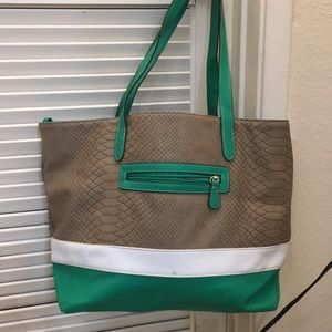 Handbags - Green and taupe tote